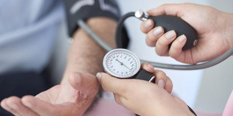 Aproape 500 de persoane și-au testat ieri gratuit tensiunea arterială, în Sectorul 6